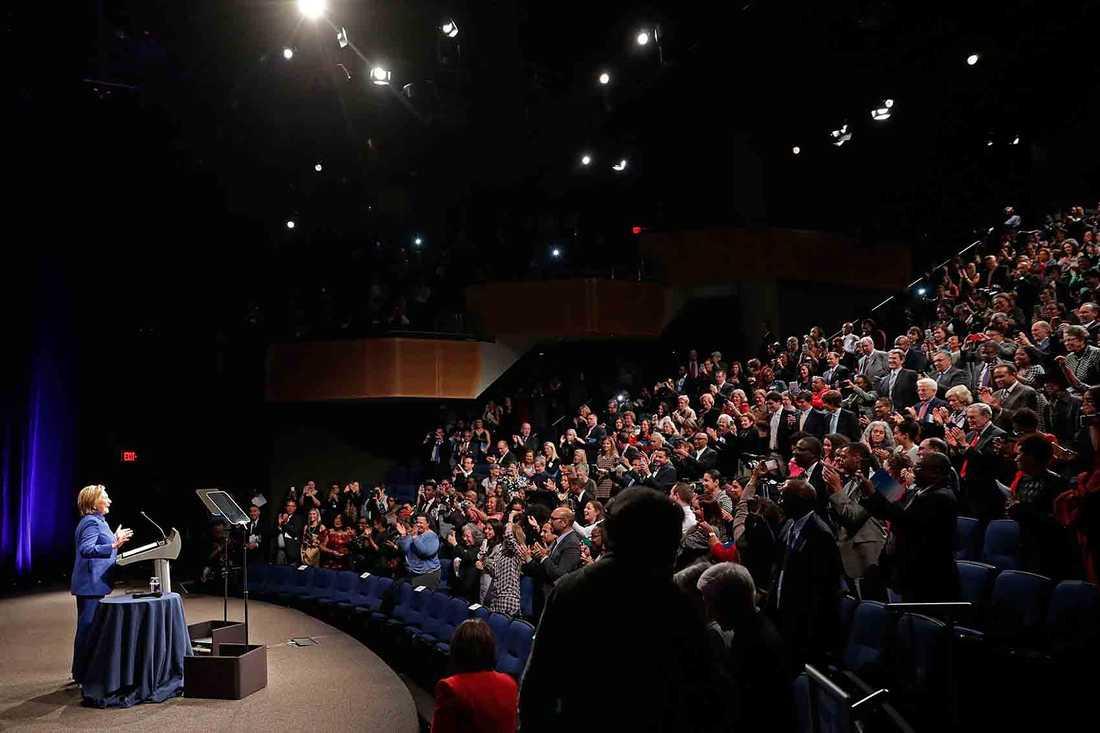 Clinton höll tal under en gala för välgörenhetsorganisationen Childrens defense fund (CDF).