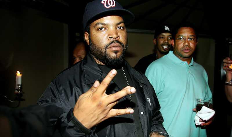 Ice Cube på efterfest under sitt förra Sverigebesök. I april kommer han tillbaka.