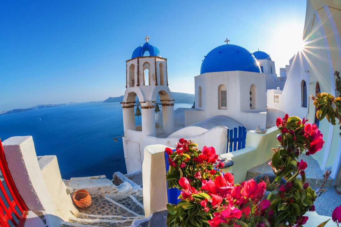 2) Santorini, Grekland.