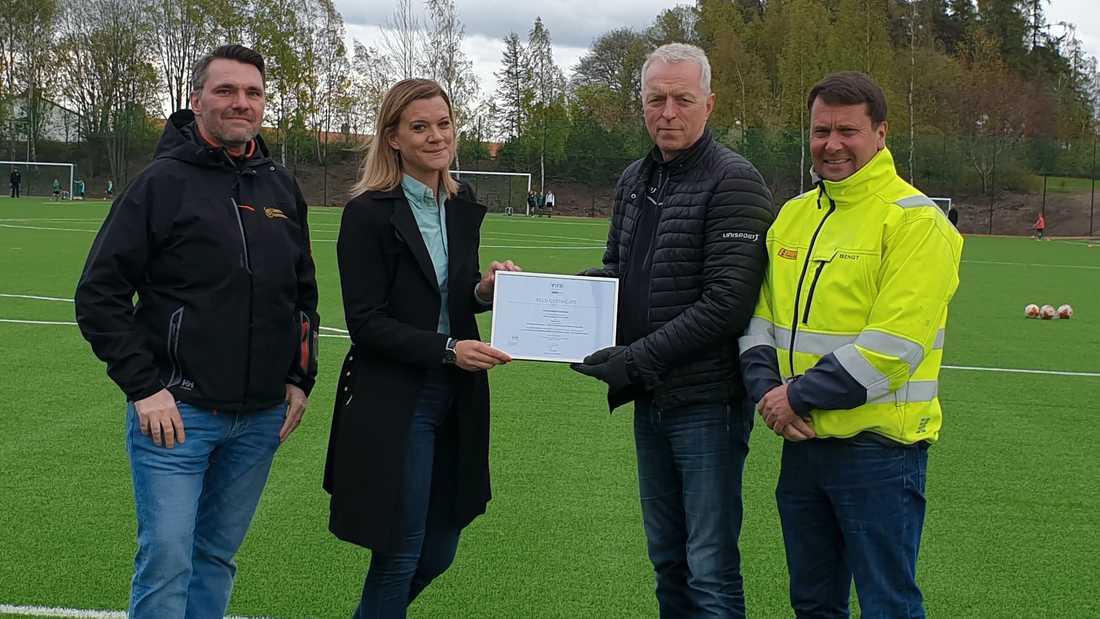 Uppsala först i världen med FIFA-godkänd granulatfri konstgräsplan.
