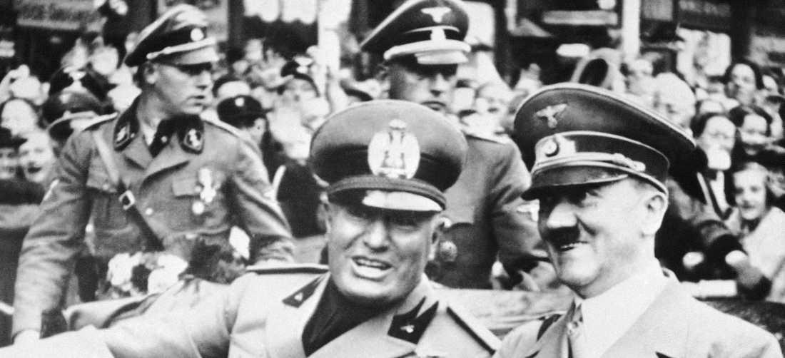 Fascism i baksätet. Hitler och Mussolini under en kortege i Müchen 1938.
