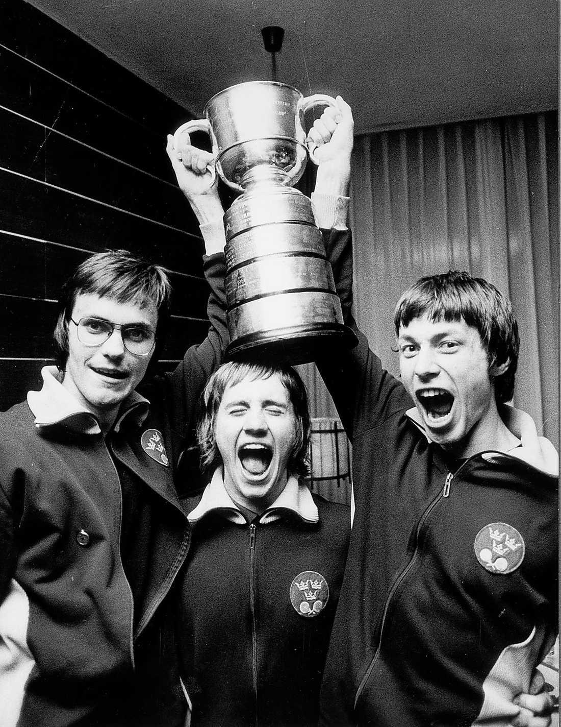 Kjell Johansson med Bo Persson, och Stellan Bengtsson efter att ha vunnit VM i Sarajevo 1973.