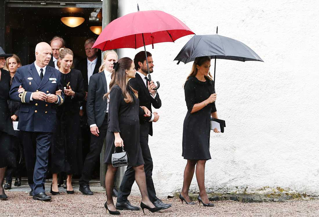 Prins Carl Philip tillsammans med prinsessan Sofia och prinsessan Madeleine.