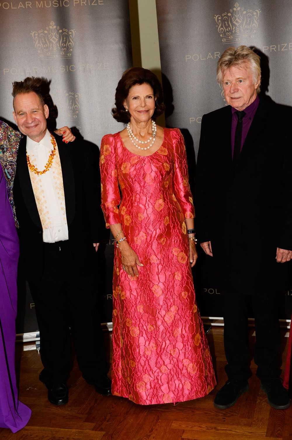 Drottning Silvia valde att inte delta under prisutdelningen, men närvarade senare på middagen.