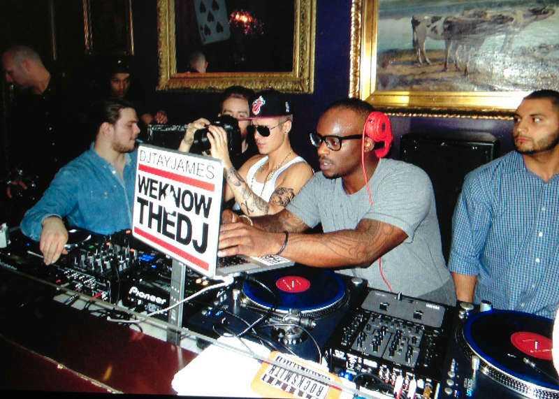 Det var inte bara Bieber som blev plåtad på nattklubben. Han passade också på att ta bilder.