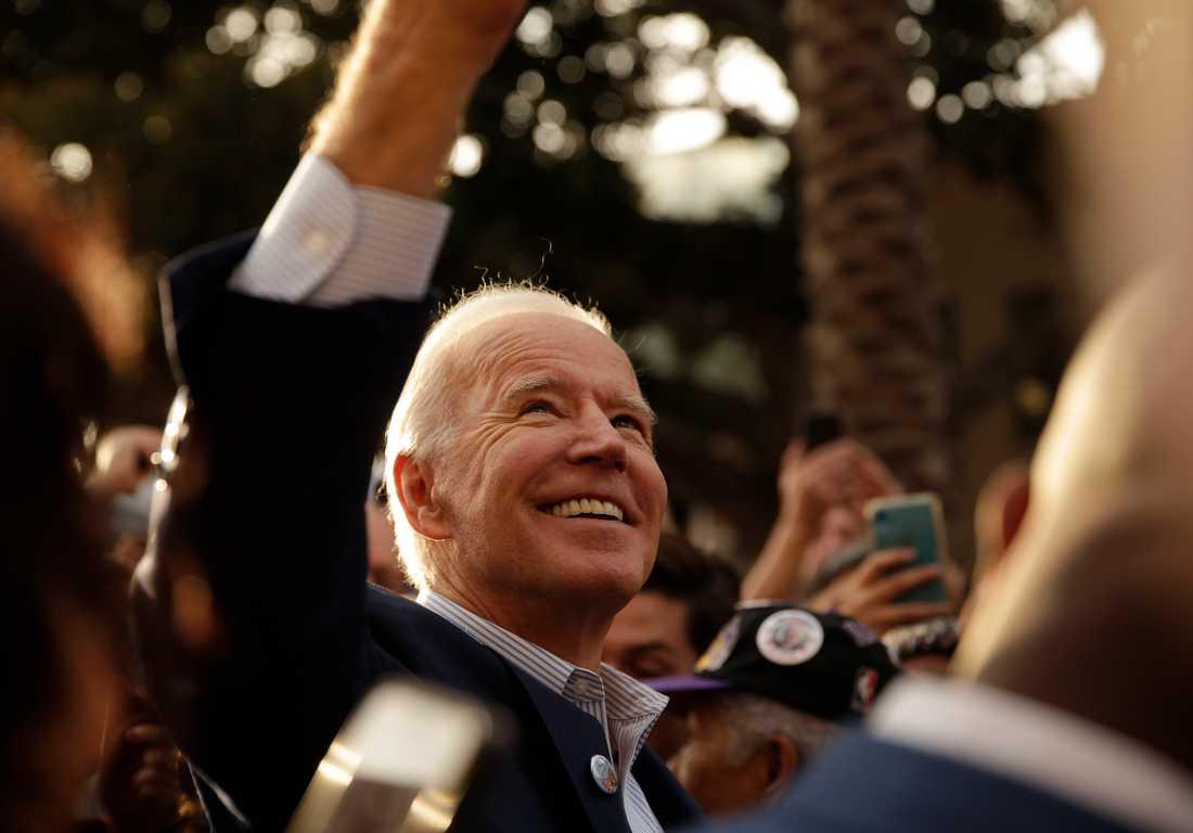 Den demokratiska presidentaspiranten och tidigare vicepresidenten Joe Biden leder i de nationella mätningarna rörande vem som ska bli partiets presidentkandidat.