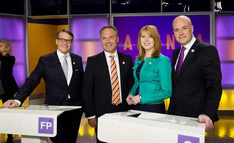 Glad trio Tre av alliansens partiledare, alla utom statsministern, får i uppdrag att välkomna Obama till Sverige, tillsammans med utrikesminister Carl Bildt.