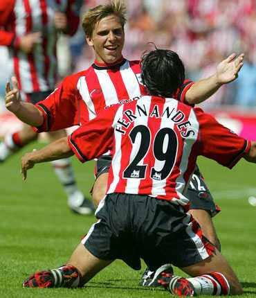 Anders Svensson jublar i Southampton i början av 2000-talet.