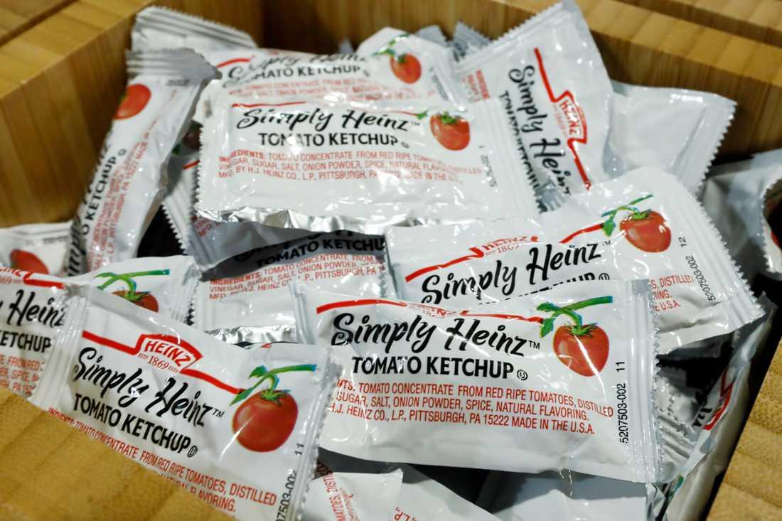 För många amerikaner är ketchup en självklarhet till hämtmaten. Men pandemin har kastat in USA i en sällan skådad ketchupkris. Arkivbild.