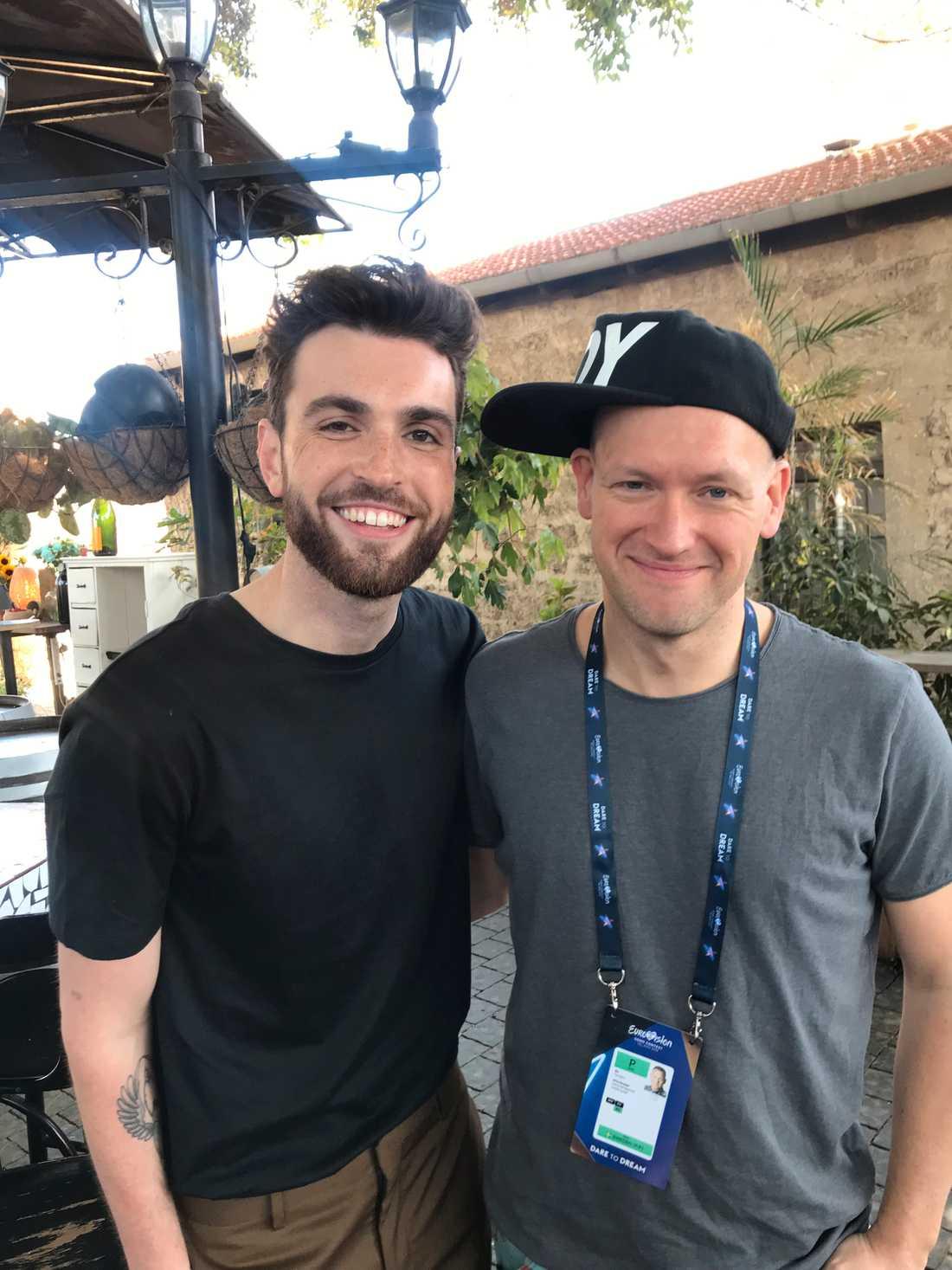 Nederländernas Duncan Laurence tillsammans med Nöjesbladets Torbjörn Ek i Tel Aviv