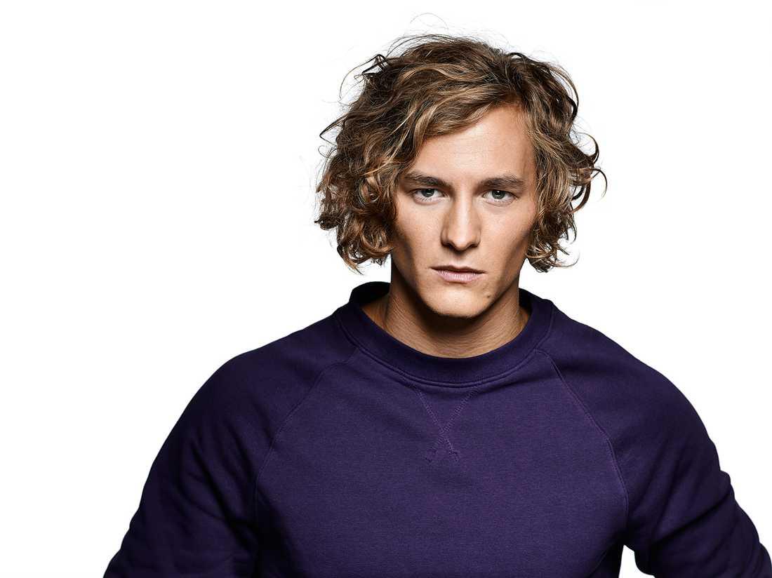 Christian Sahlström, 26, skådespelare, Stockholm. Drömmer om att jobba mer med film och tv. – Antingen är det här det bästa jag gjort i mitt liv eller det sämsta, det visar sig.