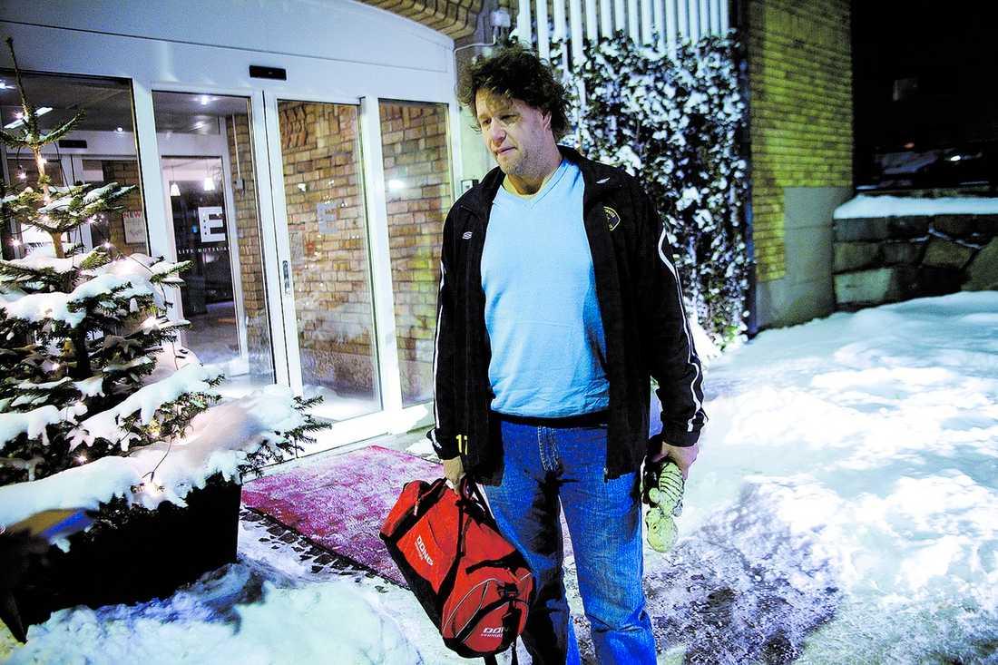 Hans Brettschneider tittade på finalen hemma hos Mats Thelin. Sedan åkte han till sitt hotell och la sig.