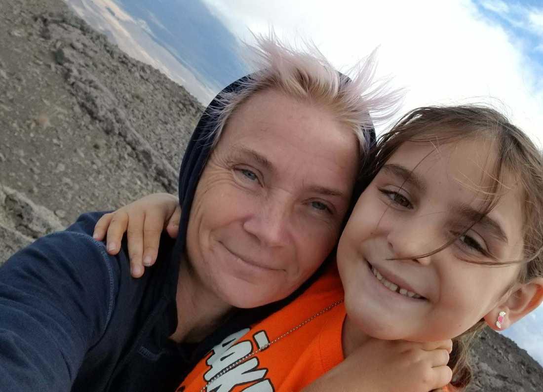 Anna Jakobsson, 45, och dottern Annika, 9.