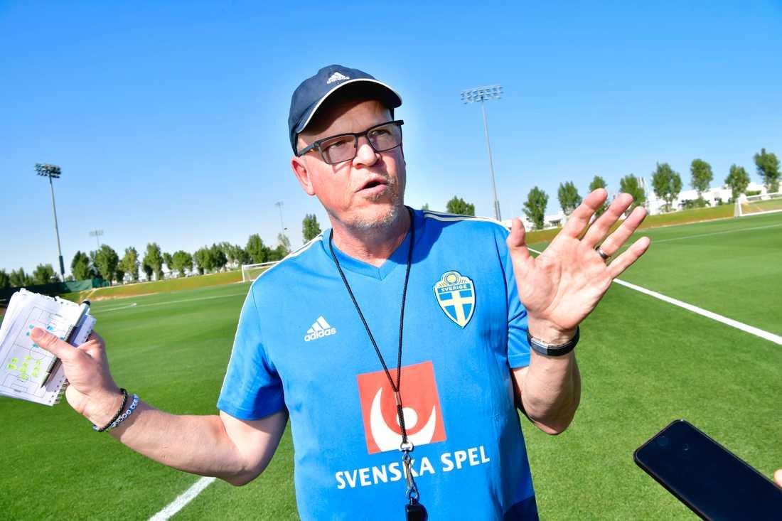 Förbundskapten Janne Andersson är orolig för hemresan då flyget ska gå över iranskt luftrum.