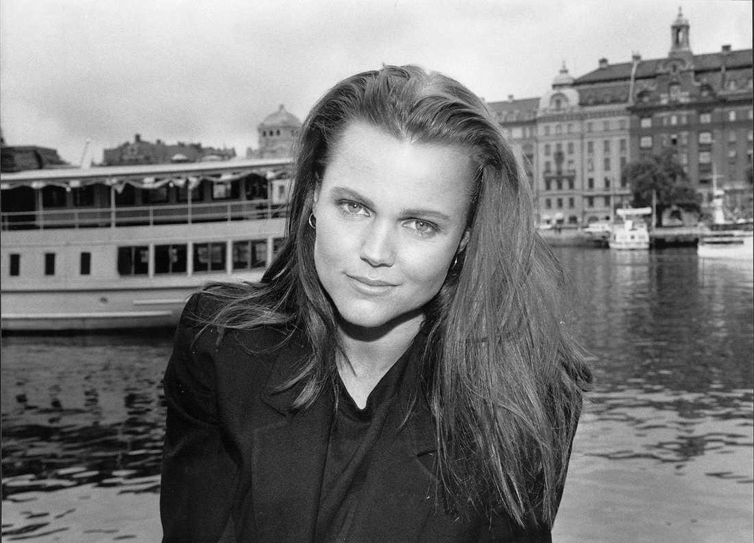 Både musik och Stockholmiana: Belinda Carlisle i Stockholm 1989.