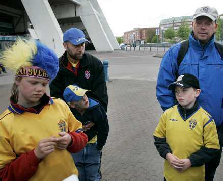 """besvikna Nio ledare och 35 åtta-nioåringar från Ytterby IS kom till Ullevi för att se VM-stjärnorna. """"Hade man inte kunnat släppa in Zlatan i 15 minuter"""", frågade sig ledaren Tony Björkqvist efteråt."""