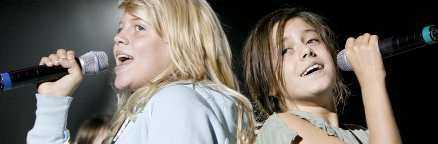 Smittad duo Både Malin Eriksson och Bianca Wahlgren Ingrosso är sjuka i förkylning. Sjukdomen kan sätta stopp för deras tävlande i juniorschlagerfestivalen i kväll.