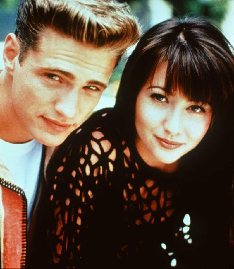 "Jason Priestley och Shannen Doherty i ""Beverly Hills""."
