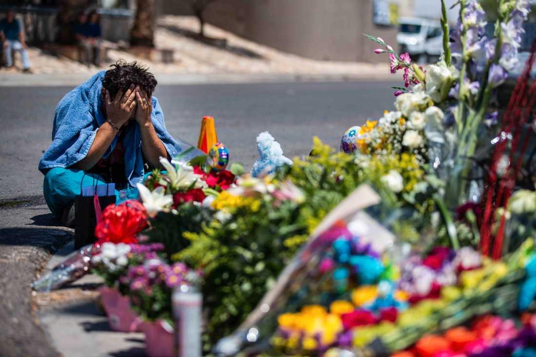 En minnesplats för offren i El Paso, Texas.