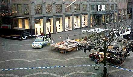 Flera kvarter i Stockholms city evakueras.
