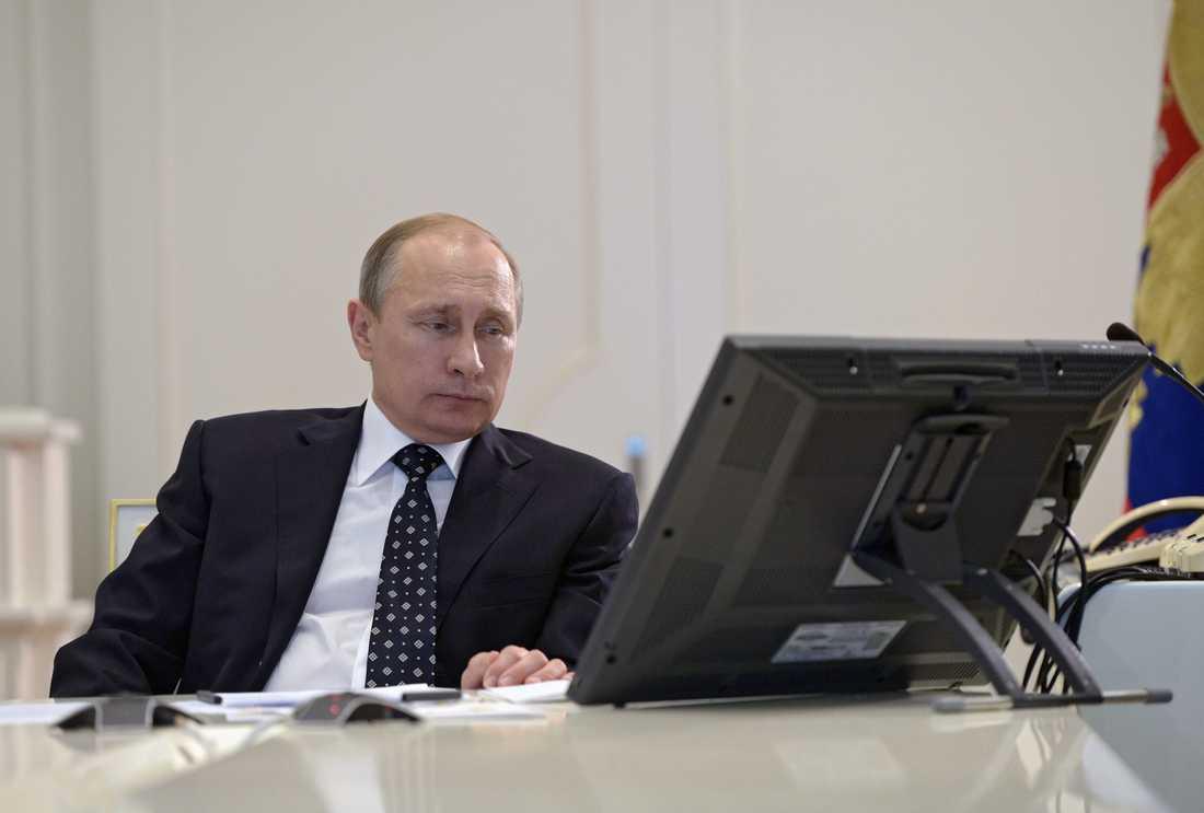 Vladimir Putin har beordrat en utredning om varför flygplanet störtade.