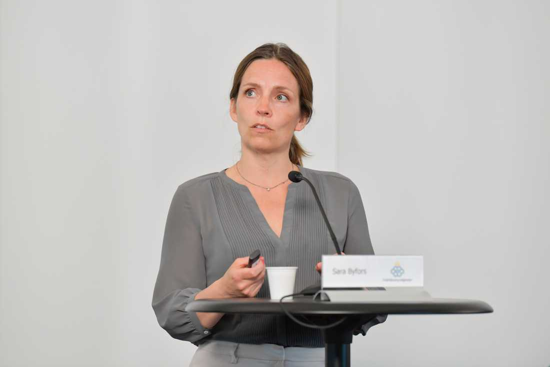 Folkhälsomyndigheten skärper råden i fler regioner. Sara Byfors, enhetschef, Folkhälsomyndigheten. Arkivbild