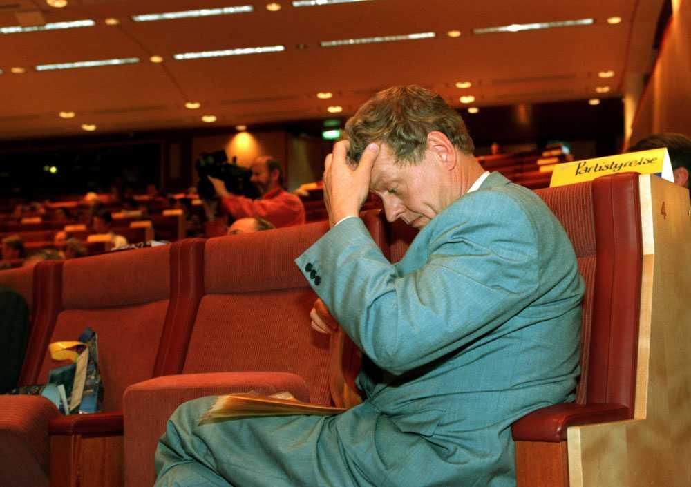 En bekymrad Unckel i riksdagen 1995.