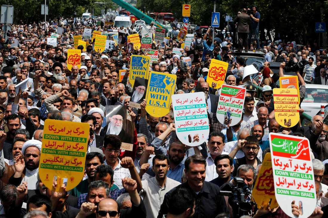 Demonstrationer i Teheran under fredagen.