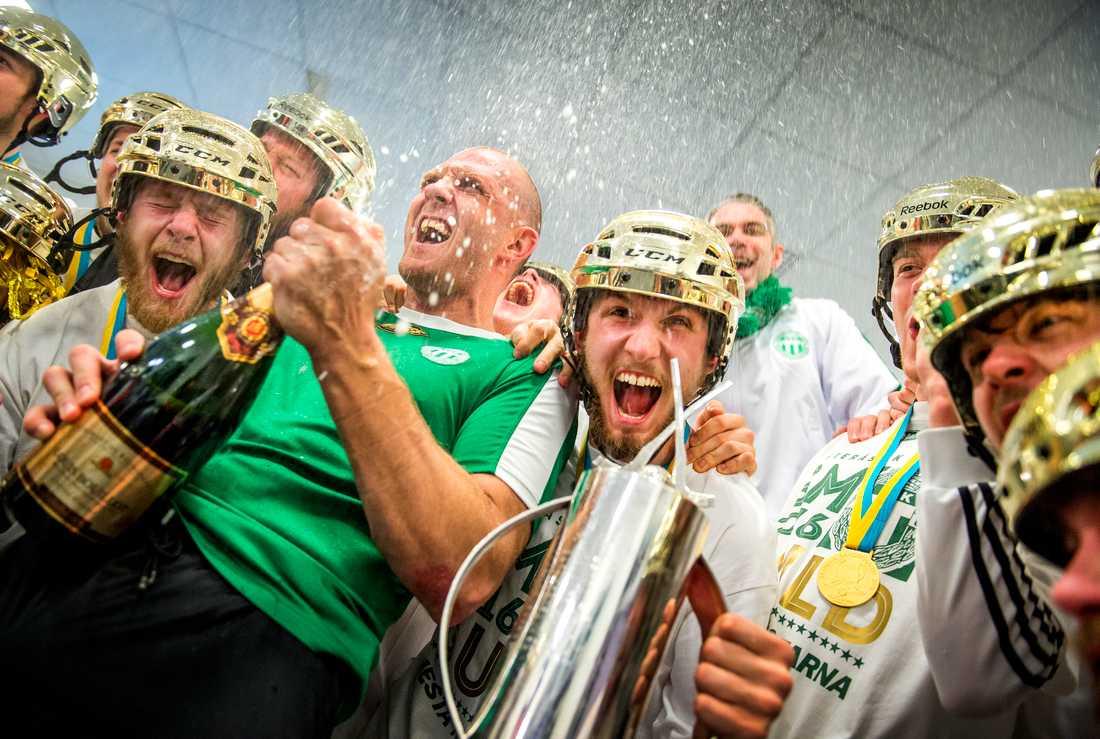 Andreas Bergwall och de andra guldhjältarna i Västerås.