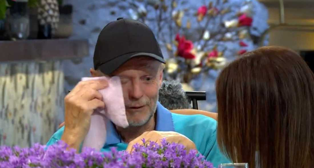 Jills sång rör Kenneth till tårar.