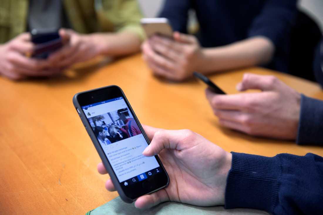 En självmordsvideo cirkulerar på bland annat Snapchat, Tiktok, Instagram, Facebook och Youtube.