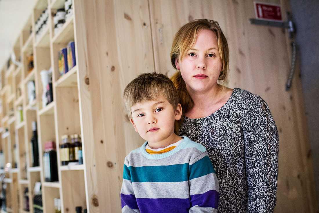 Att barnen inte fick tillräckligt med mat intygar  Jannika Drugge, som hade sin son Julian, på en av företagets förskolor.