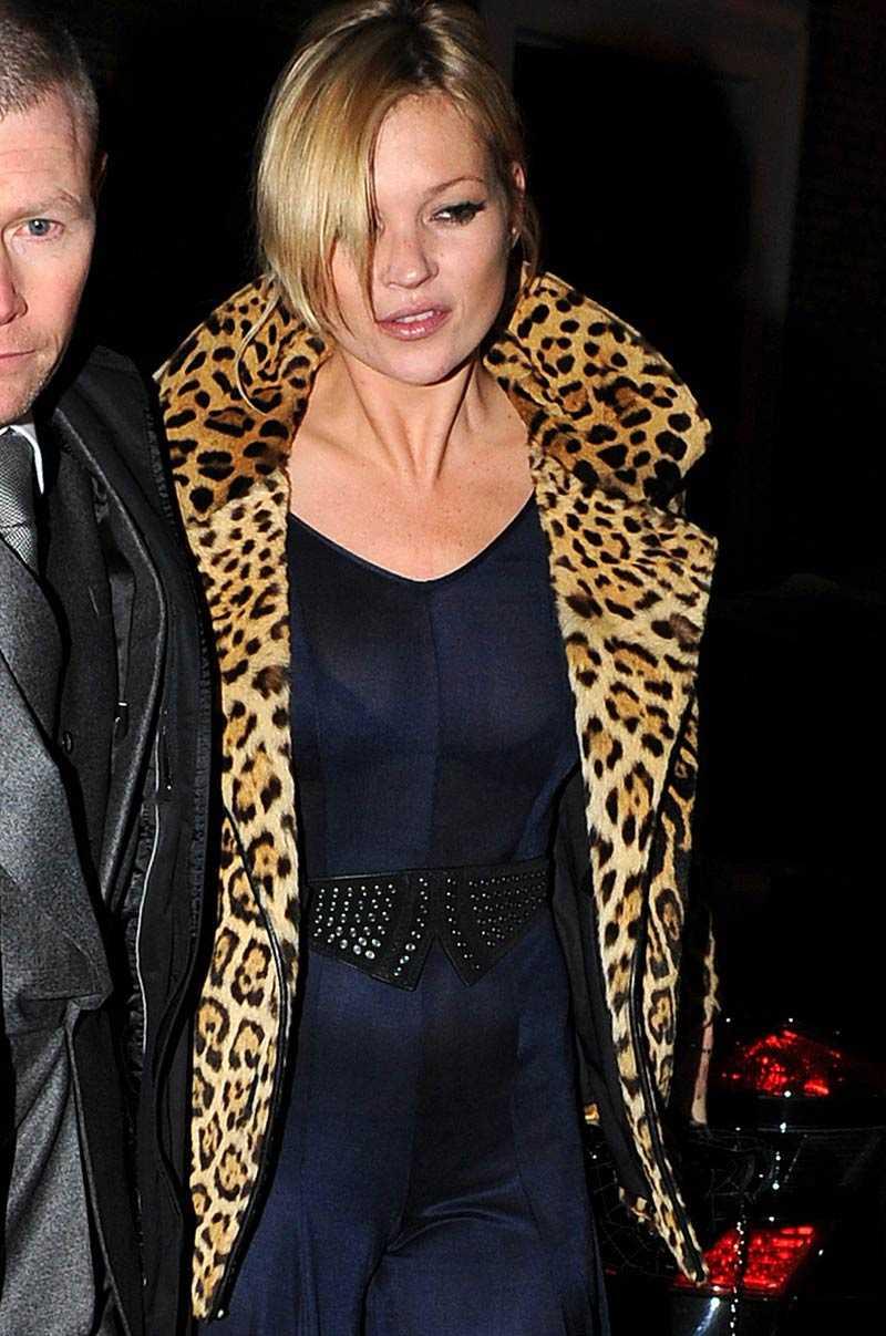 Bulan som skapat rykten Kate Moss i byxdress.