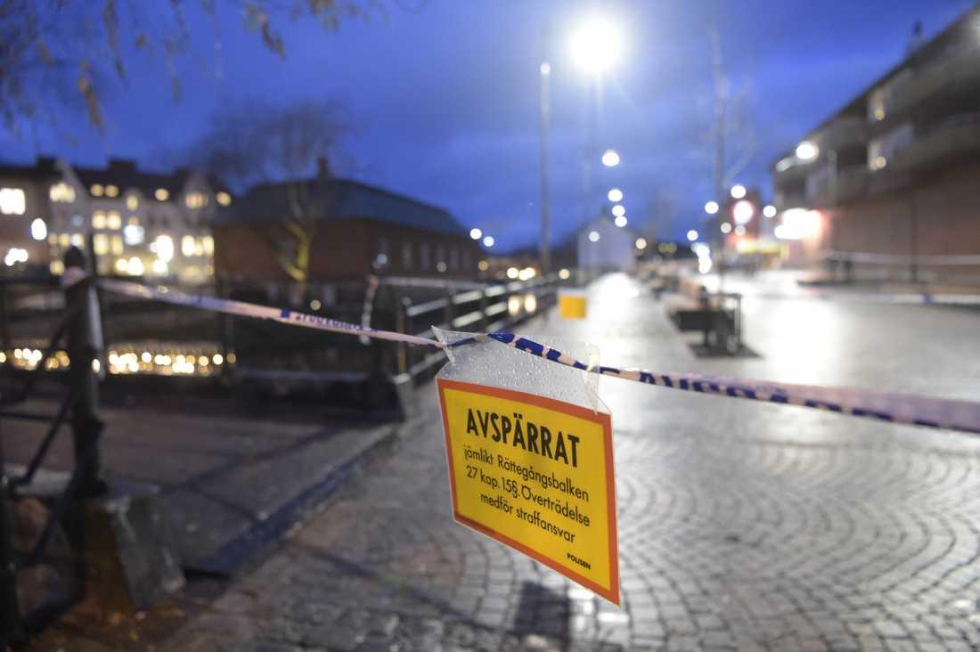 En man blev skjuten i centrala Falun sent på torsdagskvällen.