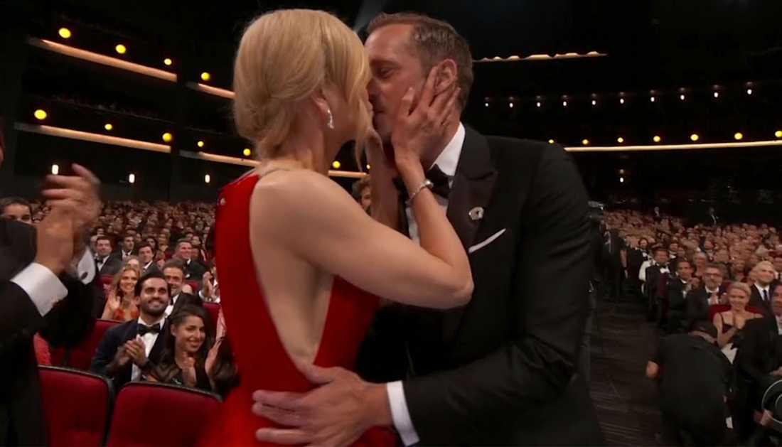 Den omtalade kyssen mellan Alexander Skarsgård och Nicole Kidman.