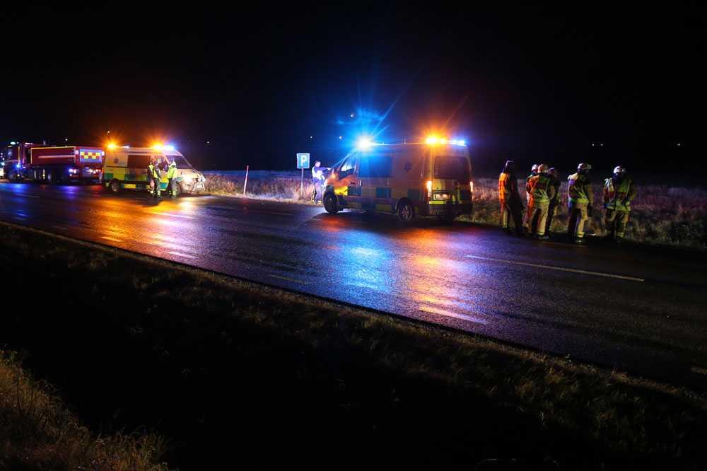 En person hittades död efter trafikolyckan.
