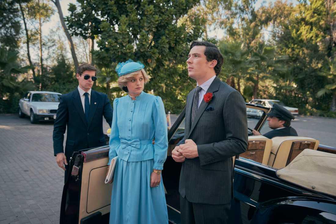 "Emma Corrin och Josh O'Connor som prinsessan Diana och prins Charles i ""The crown""."