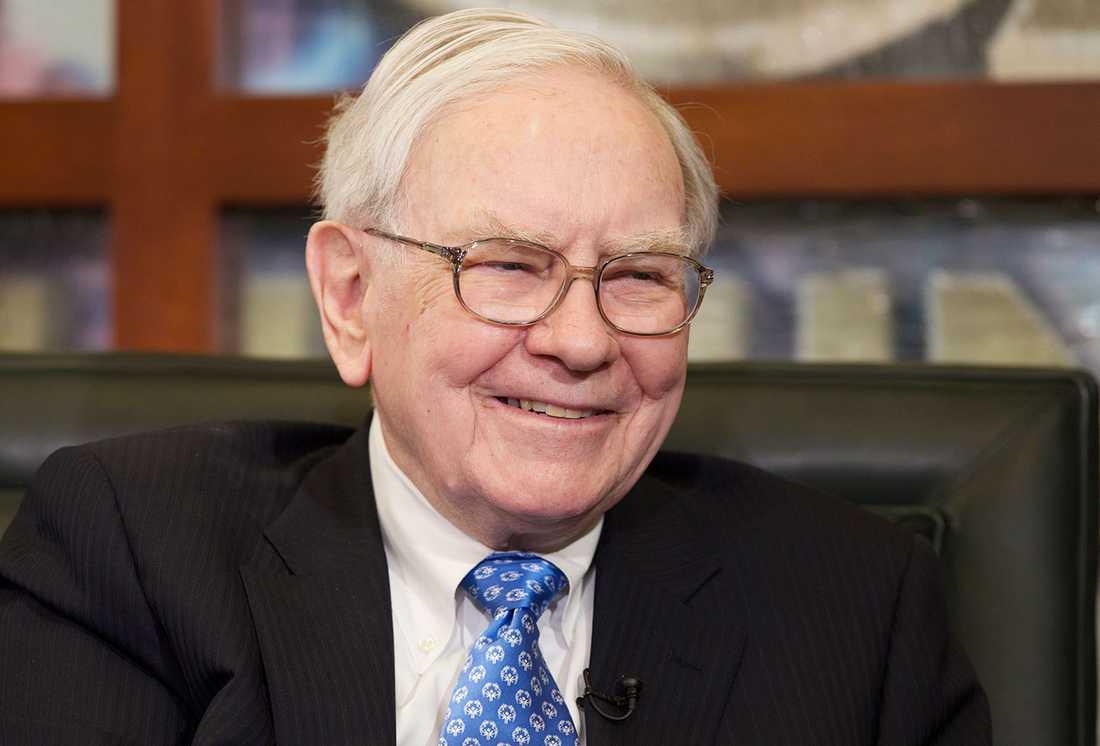 Warren Buffett, styrelseordförande och vd för investeringsbolaget Berkshire Hathaway, är enligt CNBC god för omkring 55 miljarder dollar.