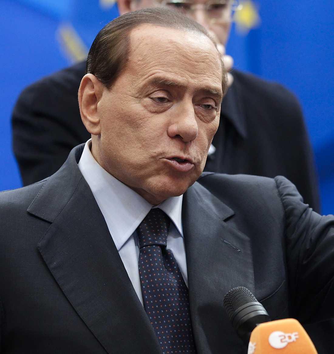 LÄCKTA SAMTAL Nu har avlyssnade telefonsamtal mellan Silvio Berlusconi och tandsköterskan Nicole Minetti läckt ut.