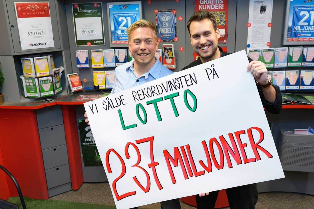 Johan Wänéus och Martin Larsson sålde rekordvinsten i sin spelbutik i Norrköping.