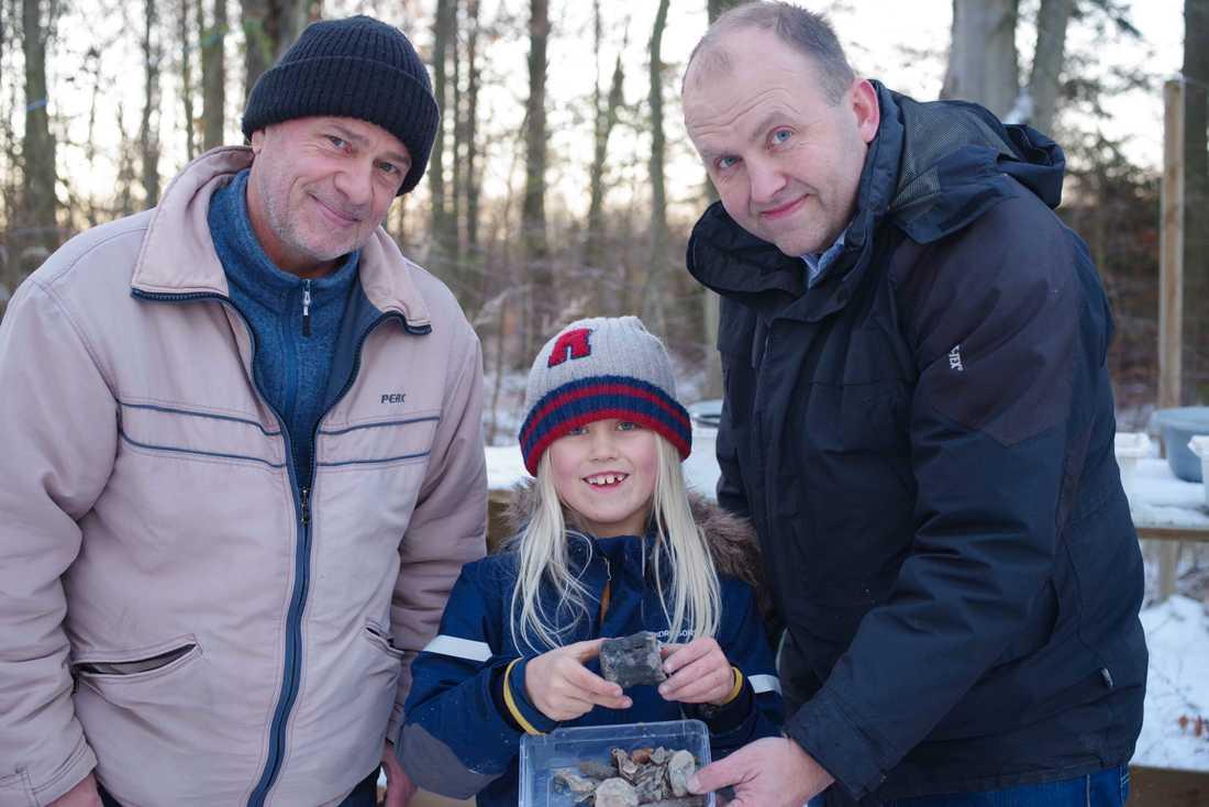 Leopold tillsammans med Filip, till vänster, och sin pappa Torsten, till höger.
