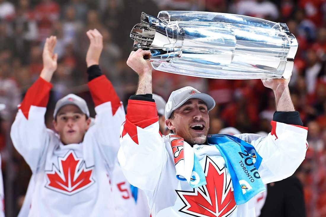 Kanadas Brad Marchand firar segern i World Cup 2016.