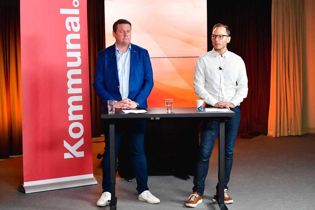 Tobias Baudin, ordförande för Kommunal, och Johan Ingelskog, kommunalsavtalssekreterare, presenterar kommunsektorns löneavtal under en pressträff i Stockholm.