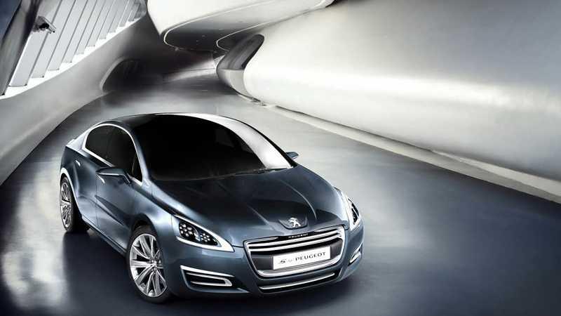 5 by Peugeot heter konceptbilen, som ligger mycket nära kommande 508 i formen.