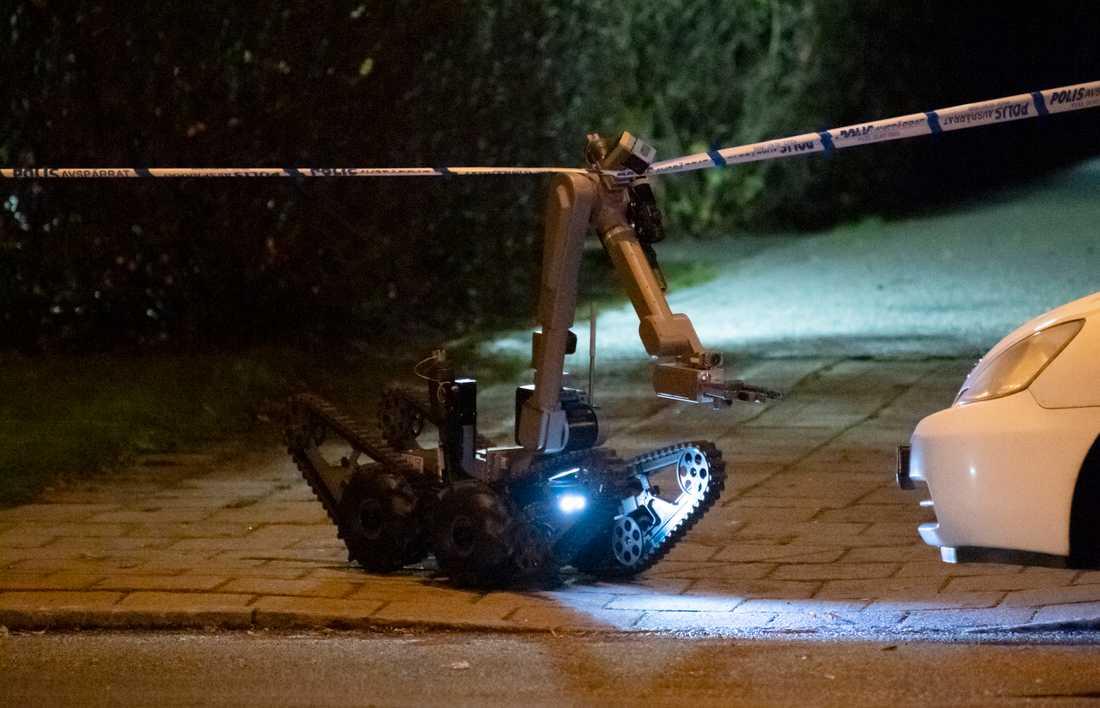 Arkivbild. Polisens bombrobot.