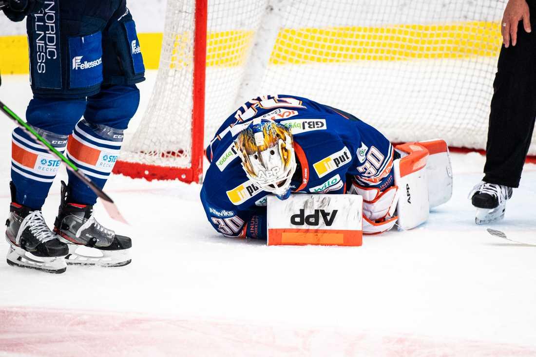 Viktor Fasth blev liggande efter räddningen.