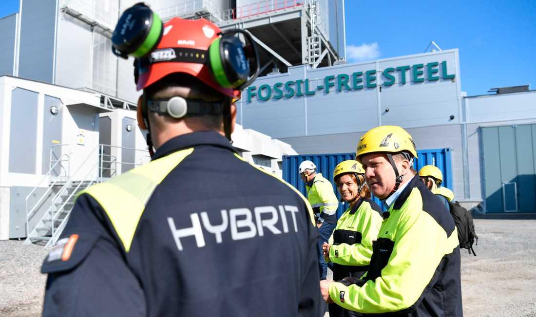 Stefan Löfven och Isabella Lövin vid invigningen av Hybrits försöksanläggning i Luleå.