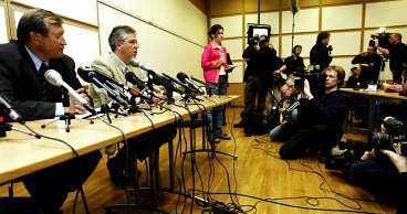 beredda att avgå Finska skidförbundets ordförande Seppo Rehunen och förbundets vd Jari Piirainen meddelade på presskonferensen i går att de är beredda att lämna sin poster om någon önskar det.