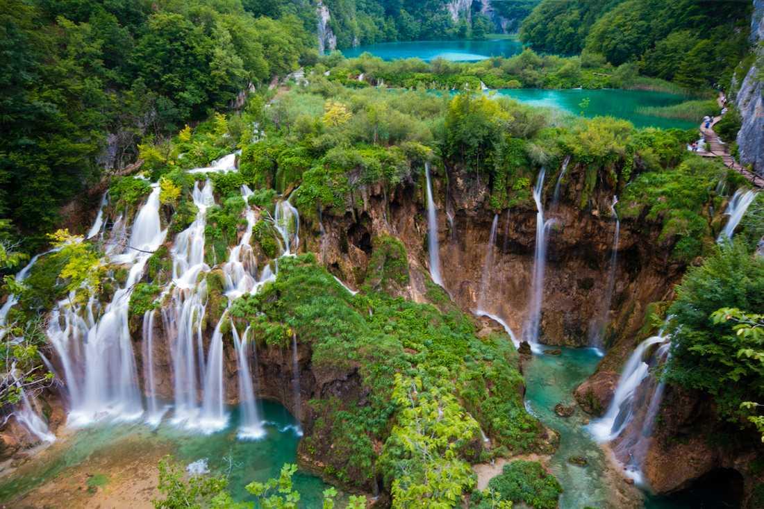 Plitvicesjöarna ligger två timmar från Zagreb.
