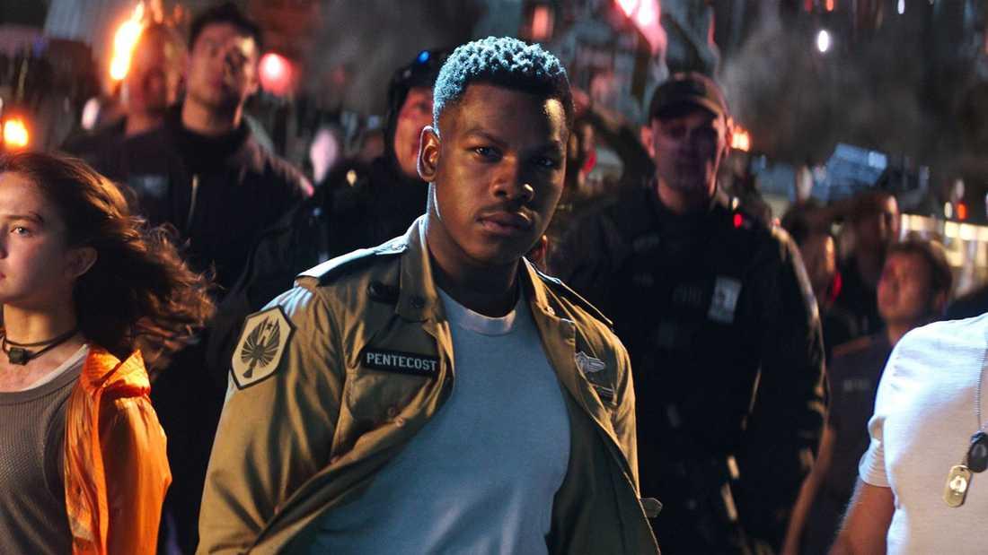 """John Boyega har huvudrollen i """"Pacific rim: Uprising""""."""